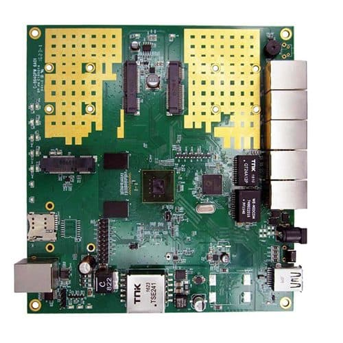 לוח תקשורת Compex WPQ864